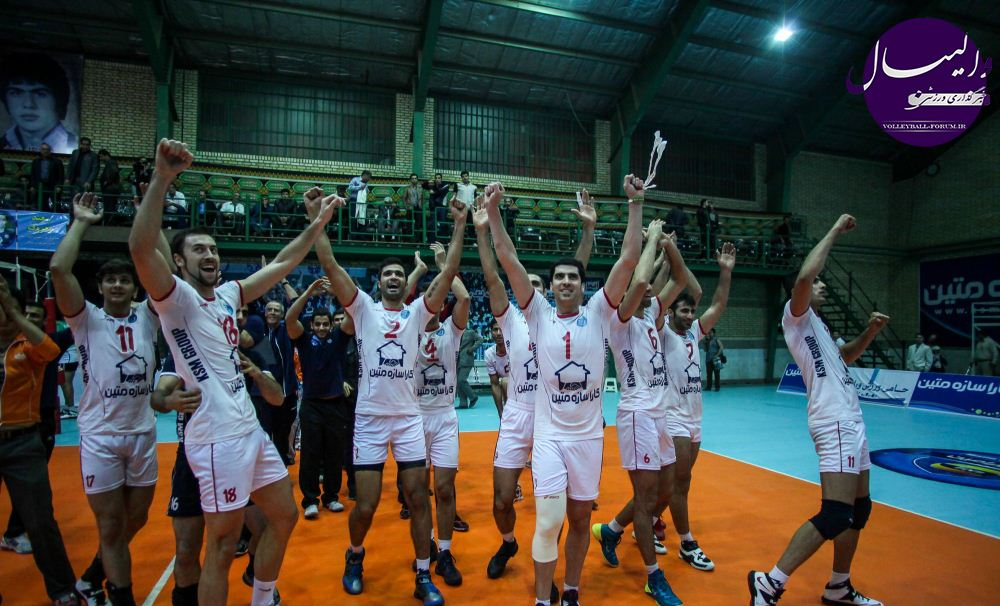 شهرام محمودی: لیگ والیبال ایران بازیهای سنگینی دارد