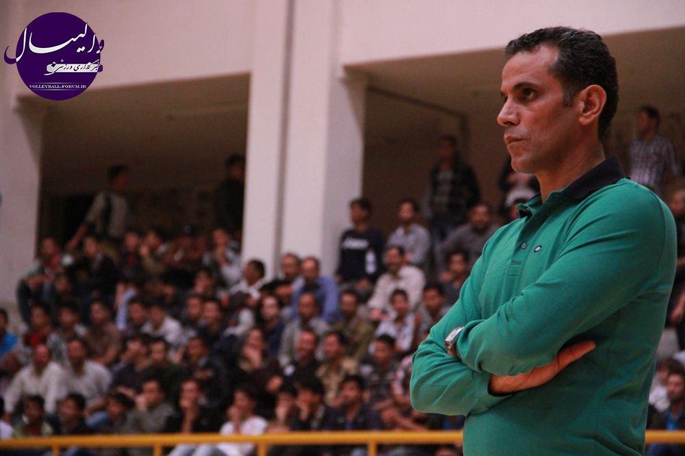 مسعود آرمات: بازی در گنبد آسان نیست/به تماشاگران گنبدی باختیم !
