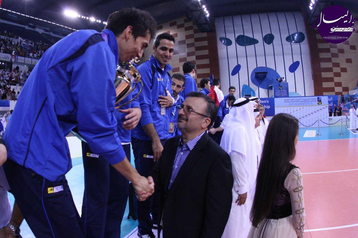 داورزنی: گله کشتیگیران سوءبرداشت بود/ وزارت ورزش به والیبالیستها پاداش نداده است