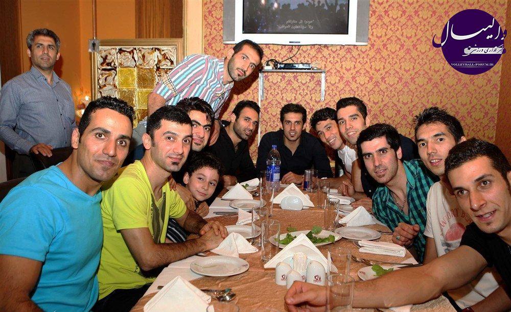 ملی پوشان در ضیافت شام سفیر ایران در امارات/سفیر:ایرانی های ساکن امارات برای خلق حماسه دست به دست هم دادند